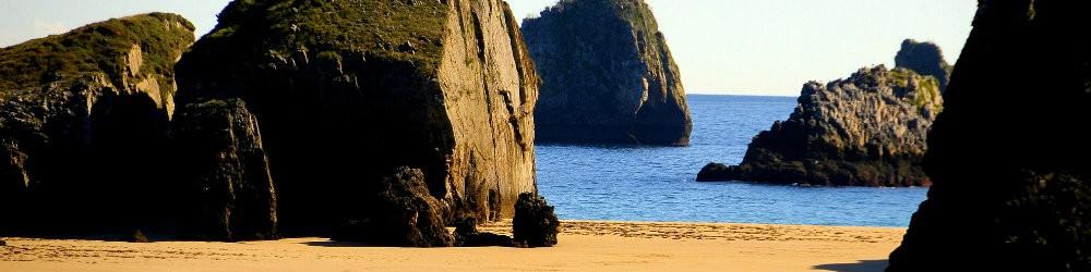 Playa entre Poo y celorio