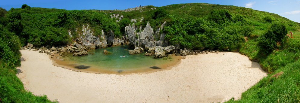 Gulpiyuri, la playa mas pequeña del mundo