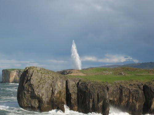 10847826_454755851329811_3855582058232793225_n Bufones, Los géisers de la costa Asturiana… Un fenómeno único!!