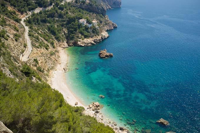 cala_ambolo_beach_in_javea_alicante_costa_blanca_spain_cabo_de_la_nao_680
