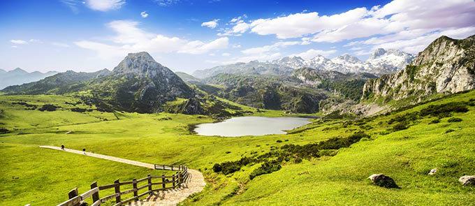 covadonga-lakes-lake-ercina-asturias-spain-mountainsl