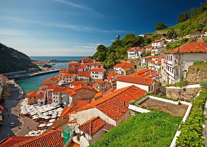 cudillero-nice-view-of-town-in-asturias-spain