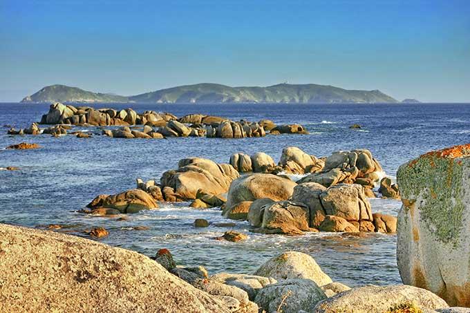 ons_island_from_pedras_negras_in_o_grove_pontevedra_galicia_spain_680