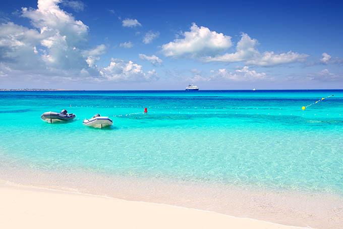 ses_illetes_beach_in_formentera_balearic_islands_spain_680
