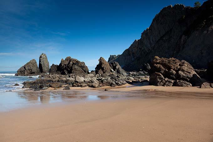 spain_laga_beach_basque_country_680