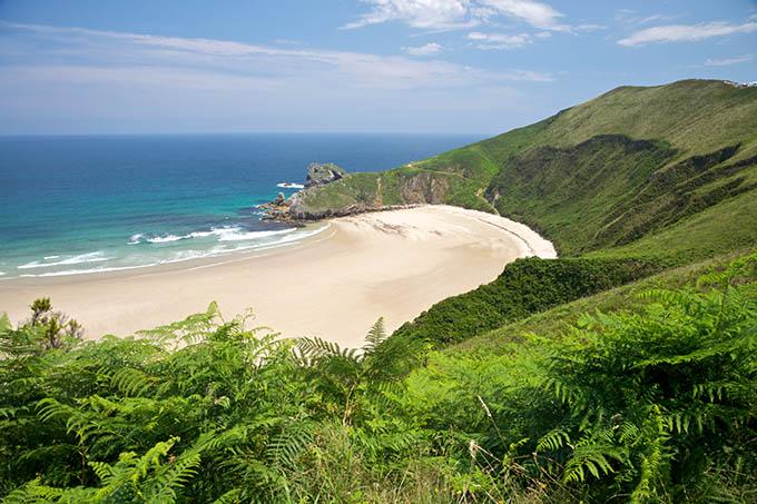 torimbia_beach_near_llanes_village_in_asturias_spain_680