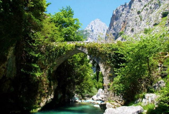 puente de la jaya senda bulnes