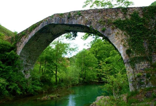 puente medieval dobra